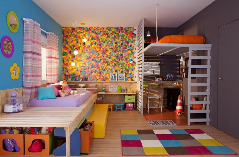 Mainkan pola warna-warni - Suka Desain Minimalis? Coba Pasang 5 Motif Wallpaper Dinding Kamar Tidur Ini! - duped.co