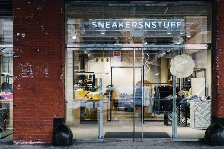 sneakersnstuff / sns