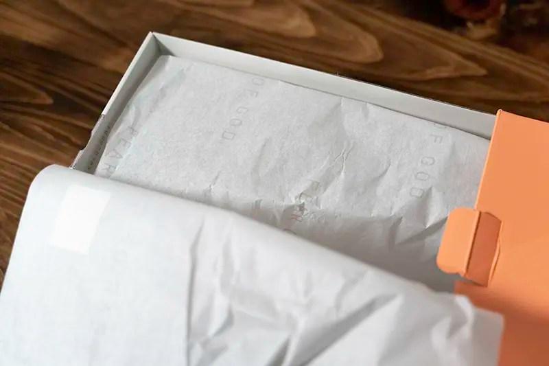 包み紙にも