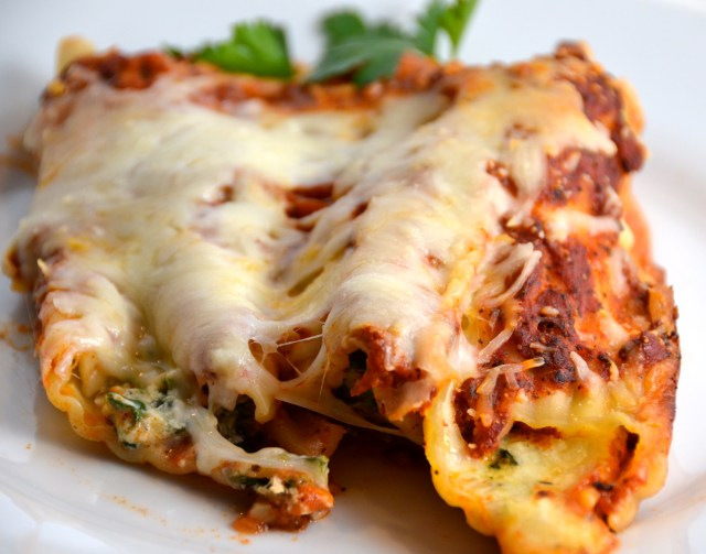 Cheesy Manicotti