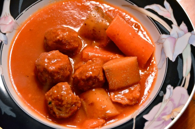 All Day Slow Cooker Meatball Stew