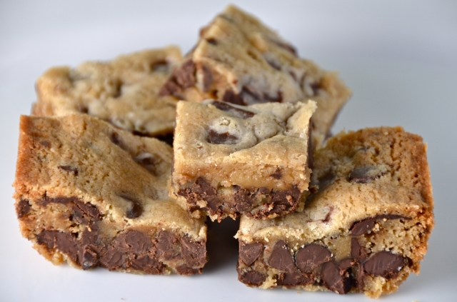 Chocolate Chunk Blondies