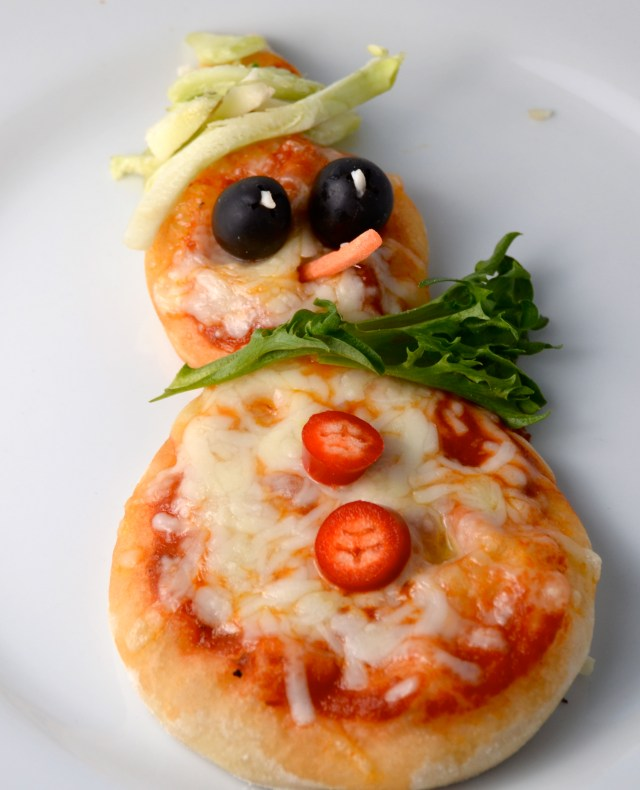 Snowman Mini Pizza