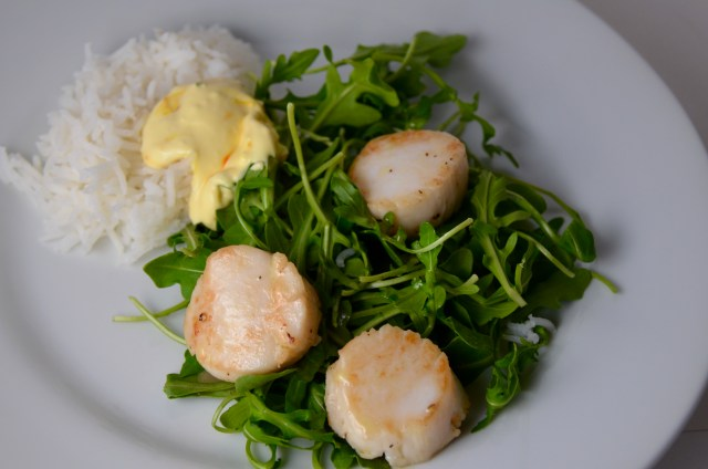 Scallops With Rocket And Saffron Mayonnaise