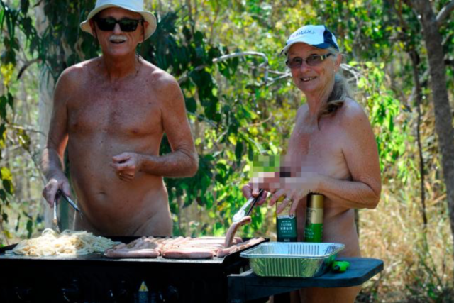 Australian Golf Course Tees Up Naked Golfing Event