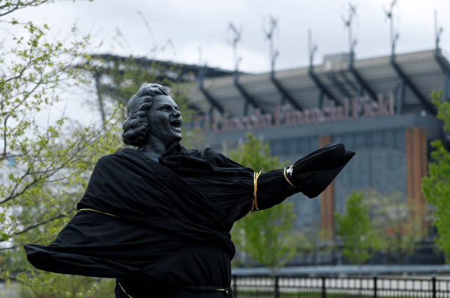 Yankees and Flyers Drop Kate Smith's 'God Bless America' Over Past Racist Songs