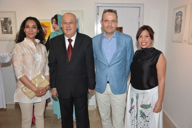Jesús Zenén Buergo, Ambassador of Cuba in Pakistan (second left) along with visitors and Domínguez, Cuban artist (first right) at the event marking 60th anniversary of Pakistan and Cuba diplomatic ties.