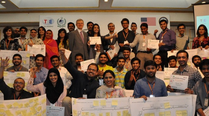 "U.S. Embassy Islamabad's Minister Counselor for Public Affairs Jeff Sexton joins the top 25 teams from StartUp Cup's ""Build-a-Business Workshop."""
