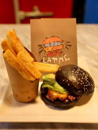 Street Burger Islamabad introduces black burgers in Pakistan