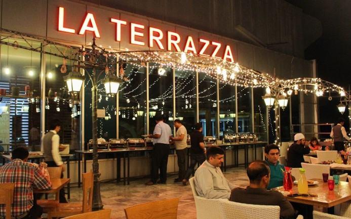 Night view of the La Terrazza terrace restaurant.