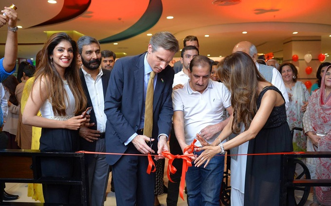 Mr. Steve Knode from US embassy and Adnan Asad, CEO and President of Venus Pakistan Pvt. Ltd. launch Cold Stone Creamery in Islamabad, Pakistan