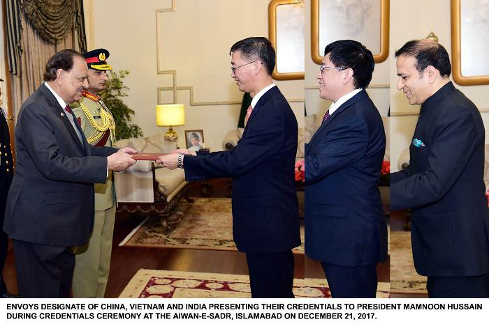 Ambassadors of China, Vietnam and India to Pakistan present credentials to President Mamnoon