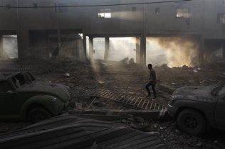 nov-19-2012-gaza-under-attack-israel-photo2012-11-19t080945z_2_cbre8ai0hu400_rtroptp_2_palestinians-israel-gaza-house