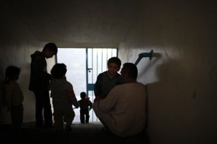 nov-20-2012-gaza-under-attack-2012-11-20t075456z_1619776280_gm1e8bk184b01_rtrmadp_3_palestinians-israel-displaced