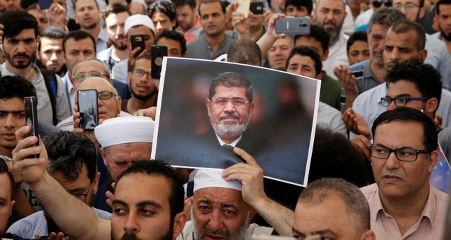 Images : Salatul Ghaeb/Absentee funeral prayer from different countries for Muhammad Morsi. - Islam Hashtag