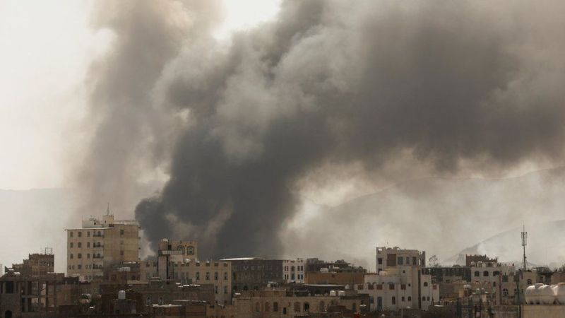 At least eight dead in fire at Yemeni migrant center, UN says