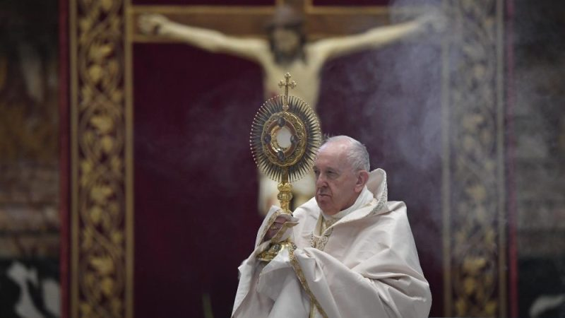 In Iraq, Pope reaches out to top Shiite cleric