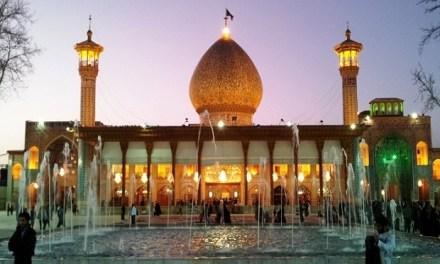 Dua Jenis Masjid: Antara Batu Bata dan Kesadaran Inti