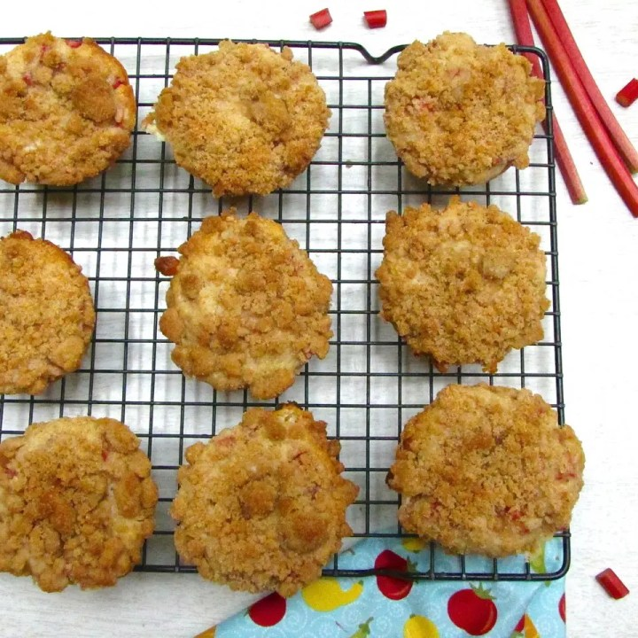 Rhubarb Streusel Muffins with Mascarpone Cheese Filling