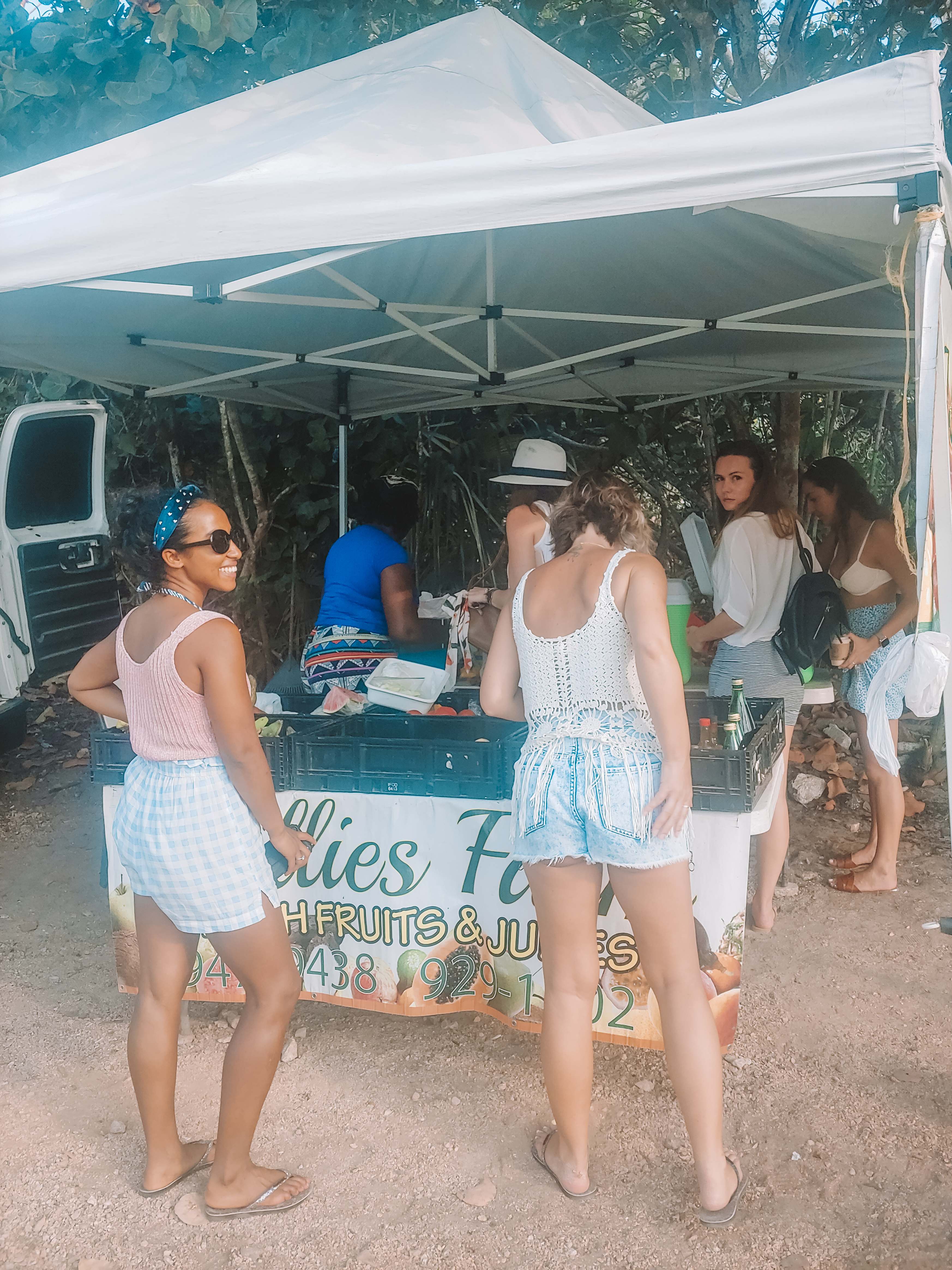 Willie's Fruit Stand, Grand Cayman