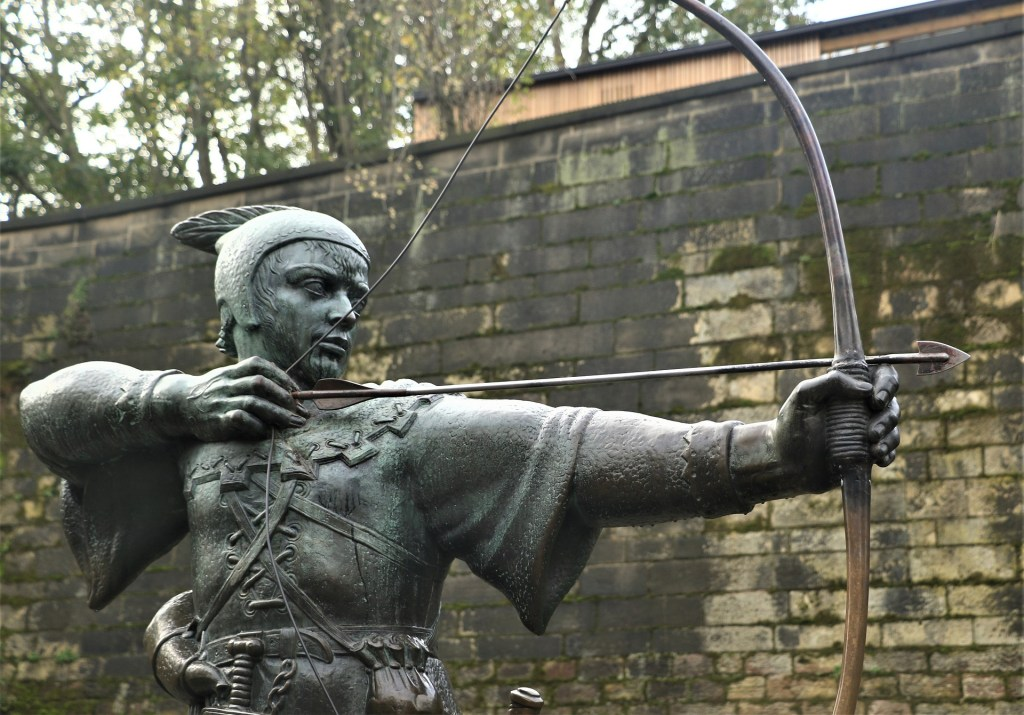 Photo: Robin Hood statue