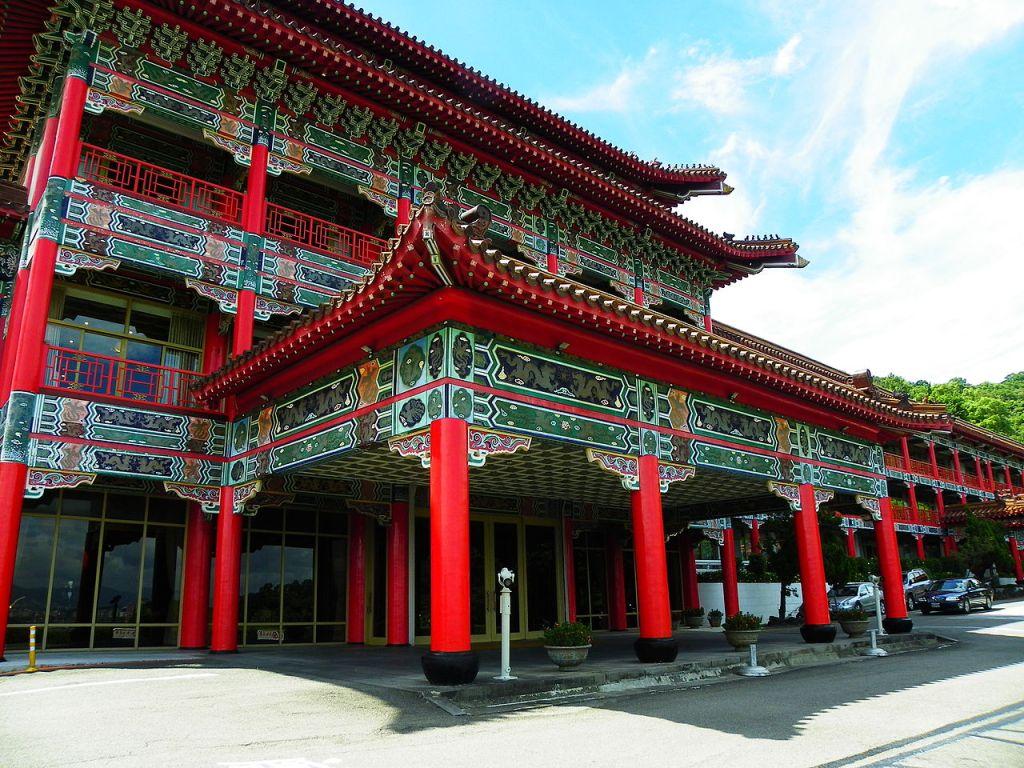 Photo: Grand Hotel Taipei entrance