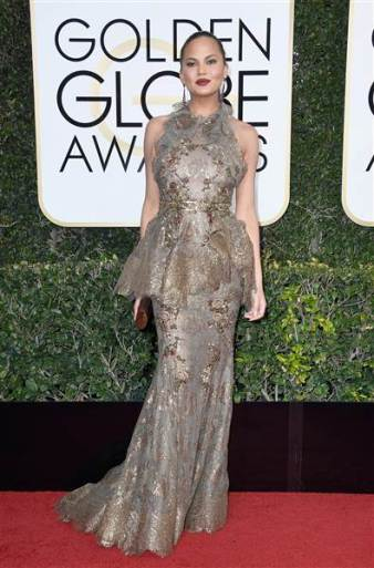 golden-globes-chrissy-teigen-today-170108_37f6d0029e891e99ea22bad5ac8bf963-today-inline-large
