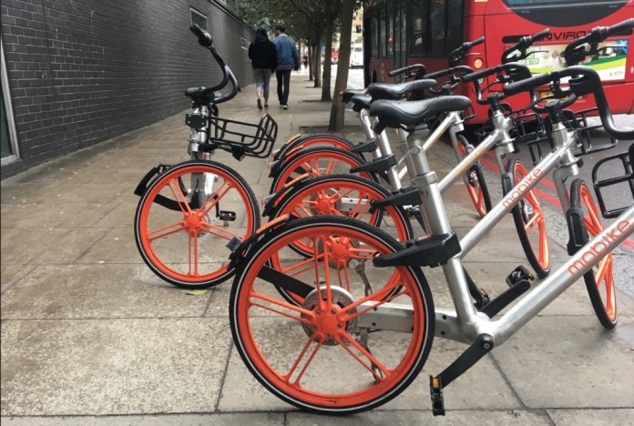 The dockless bikes of Mobike and Ofo have divided opinion among Islington residents and commuters.