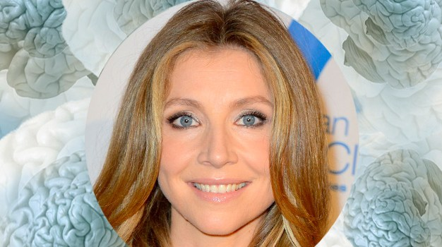 August 27 – Sarah Chalke gets settled near the warmer ocean