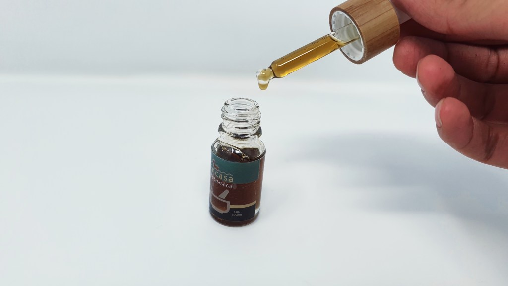 , Encasa Botanics CBD Oil Extracted from White Widow Hemp