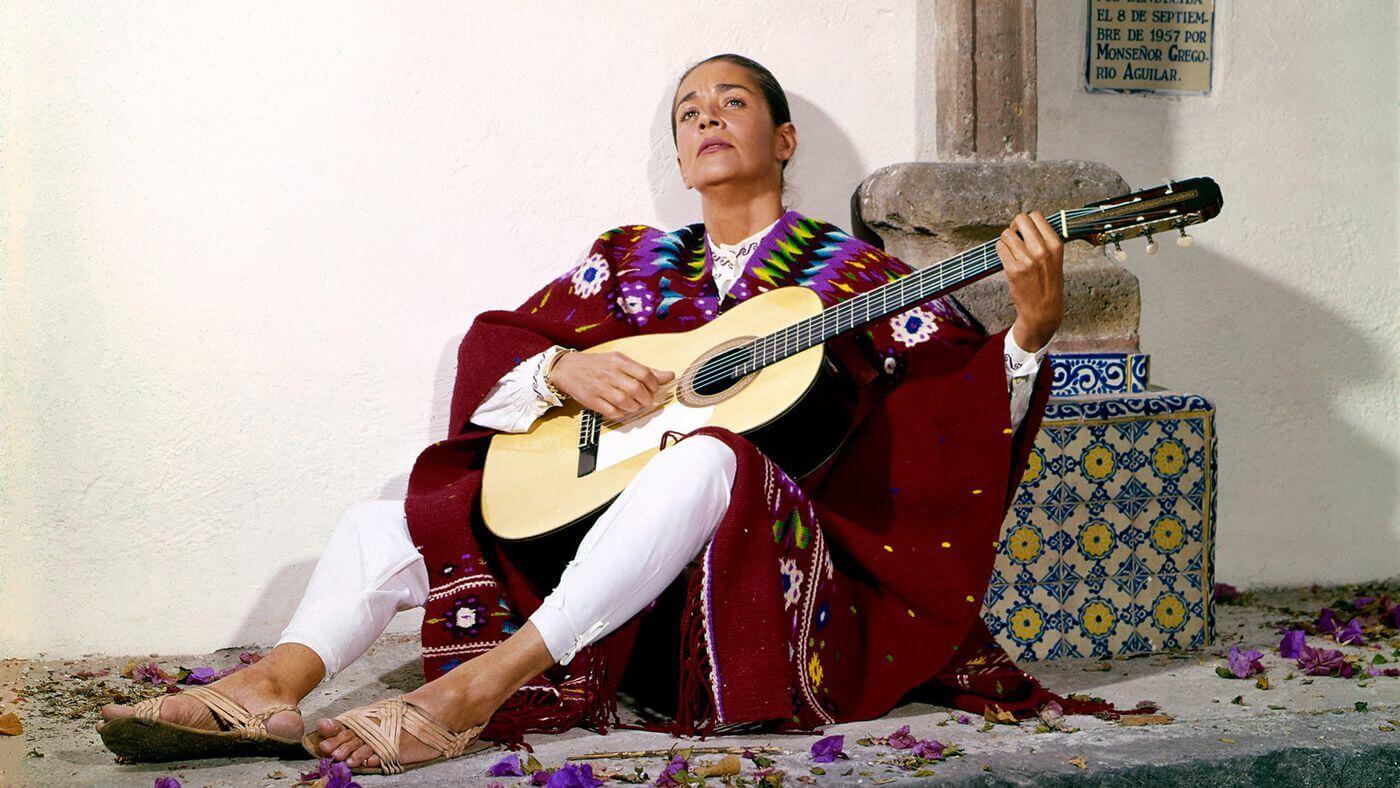 """""""Chavela"""": Un documental iconoclasta y rebelde sobre la increíble vida de Chavela Vargas"""