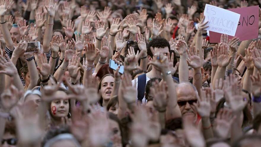 """Protestas en España por libertad provisional a los miembros de """"La Manada"""""""