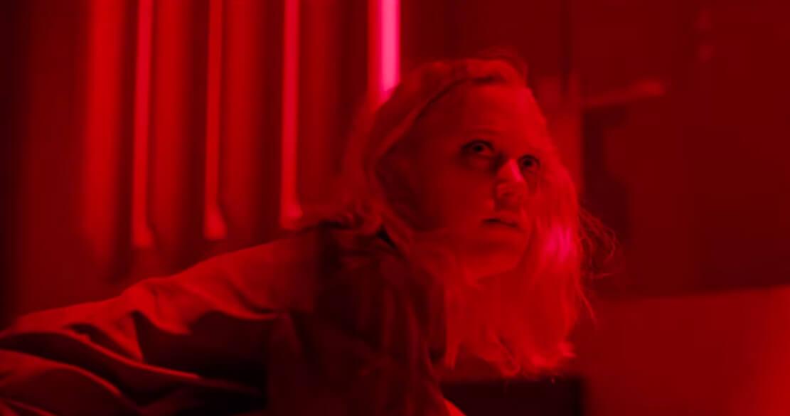"""""""Tau"""": La nueva película de Netflix con horror, sci-fi, y Gary Oldman como la voz de tus pesadillas"""