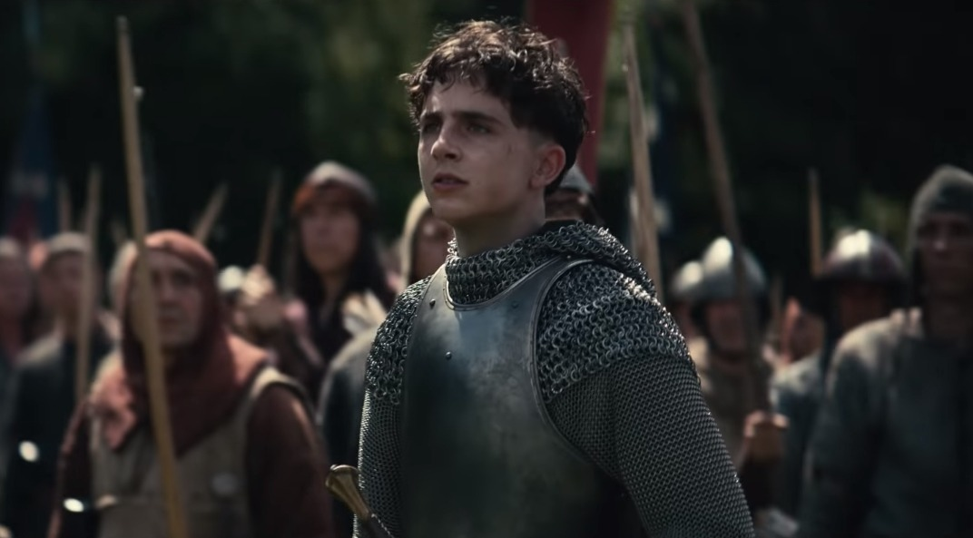 """The King"": Timothée Chalamet y Robert Pattinson se enfrentan en el trailer final del filme"
