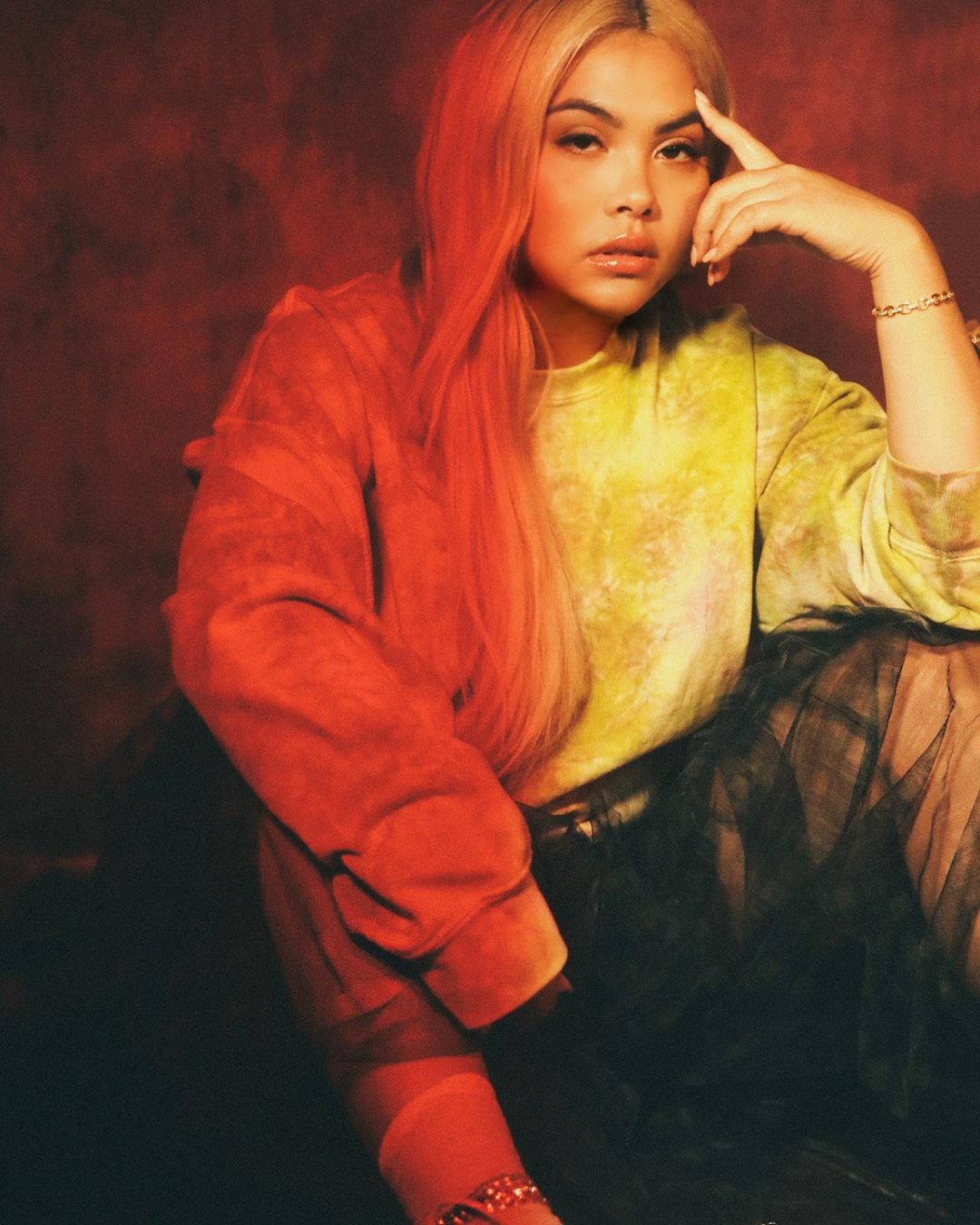 "MOR.BO RIOT: Hayley Kiyoko, la ""Lesbian Jesus"" del synthpop alternativo"