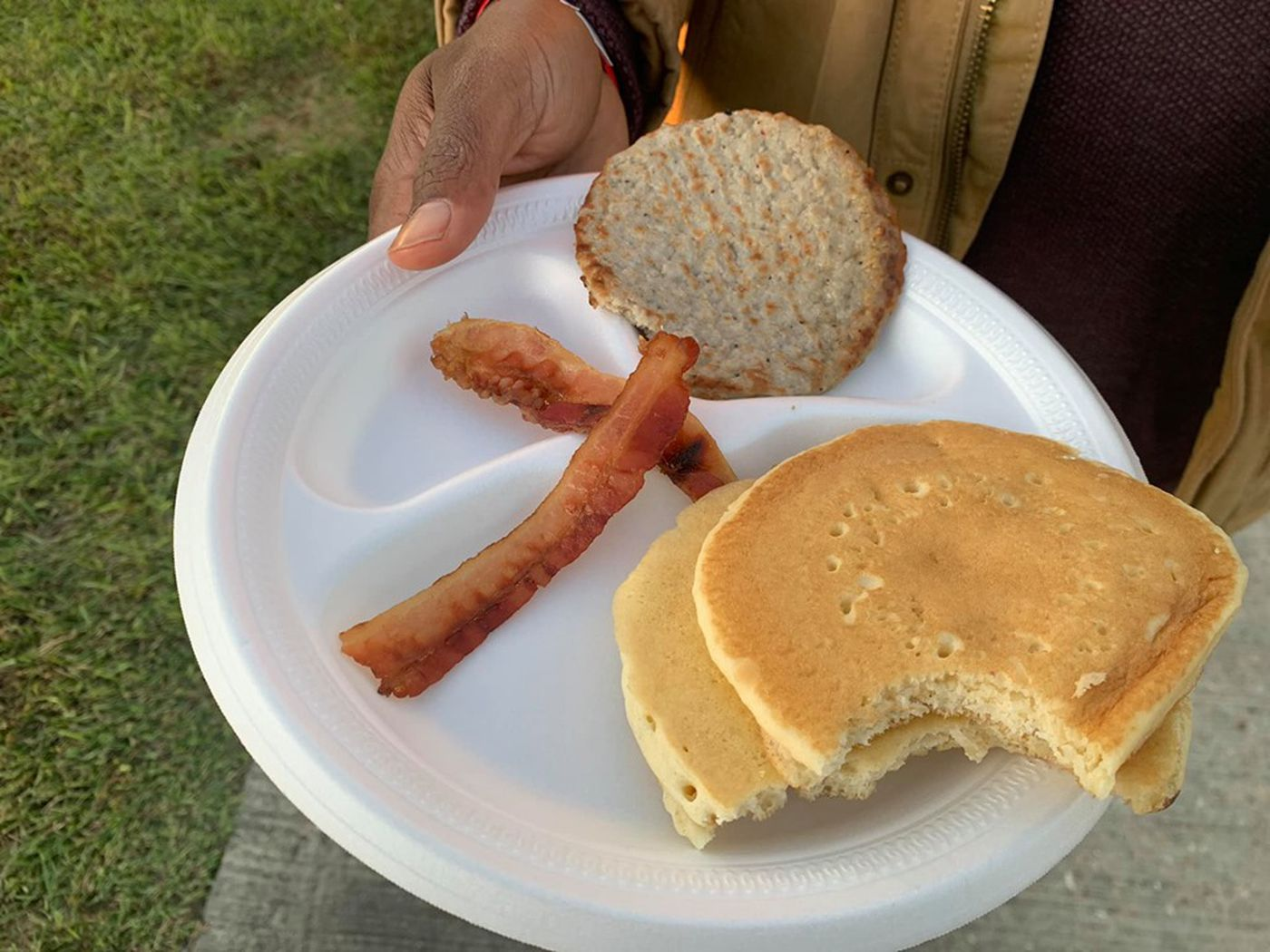 No fue Kanye West: Empresa de catering asume responsabilidad por la controversial comida del Sunday Service