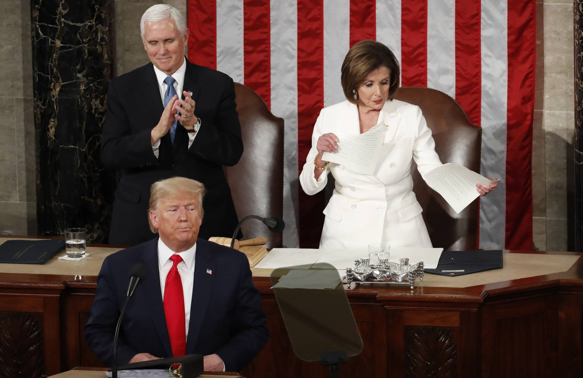 Nancy Pelosi rompe el discurso del Estado de la Unión de Donald Trump