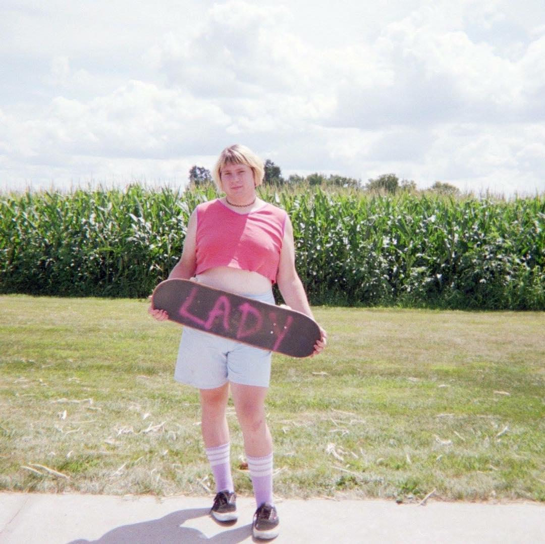 Conoce a Marbie Princess, la alucinante skater trans y bisexual que rompe los esquemas del deporte