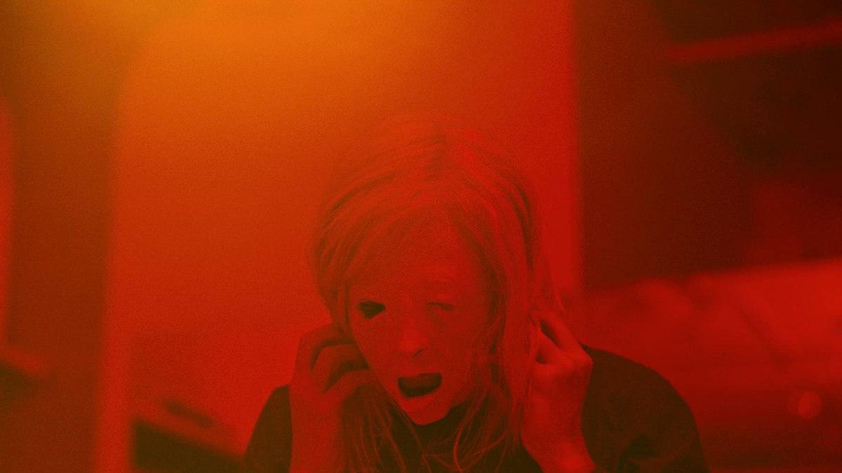 """""""Possessor"""": El nuevo thriller sci-fi de Brandon Cronenberg estrena un trailer ultra violento y NSFW"""