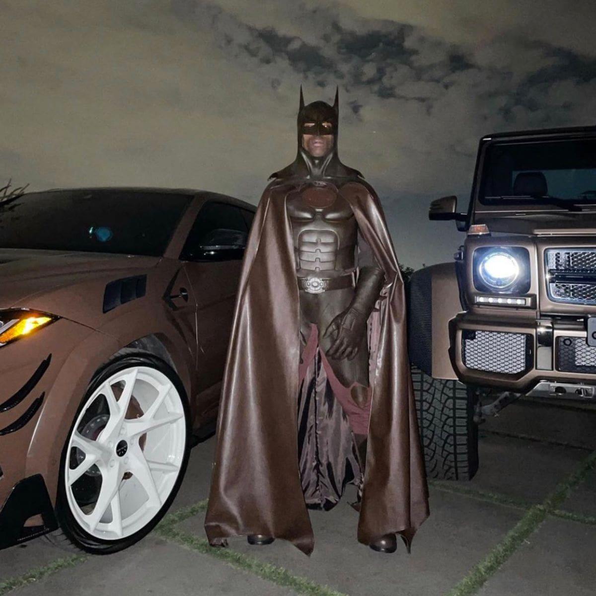 Travis Scott borró su cuenta de Instagram tras recibir burlas por su disfraz de Halloween