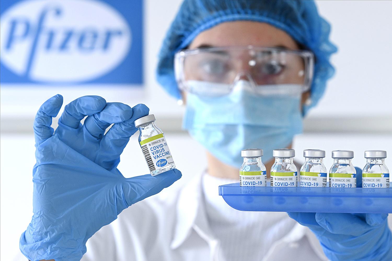 Coronavirus: Reino Unido aprueba vacuna de Pfizer; Japón vacunará a su población gratuitamente