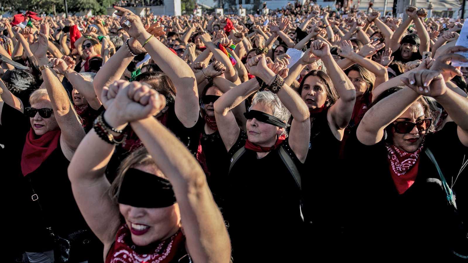 Chile: Llamadas para denunciar violencia intrafamiliar aumentaron 148% en 2020
