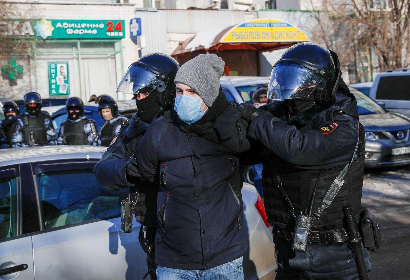 Rusia: Alexei Navalny es juzgado en medio de arrestos de sus partidarios en protestas