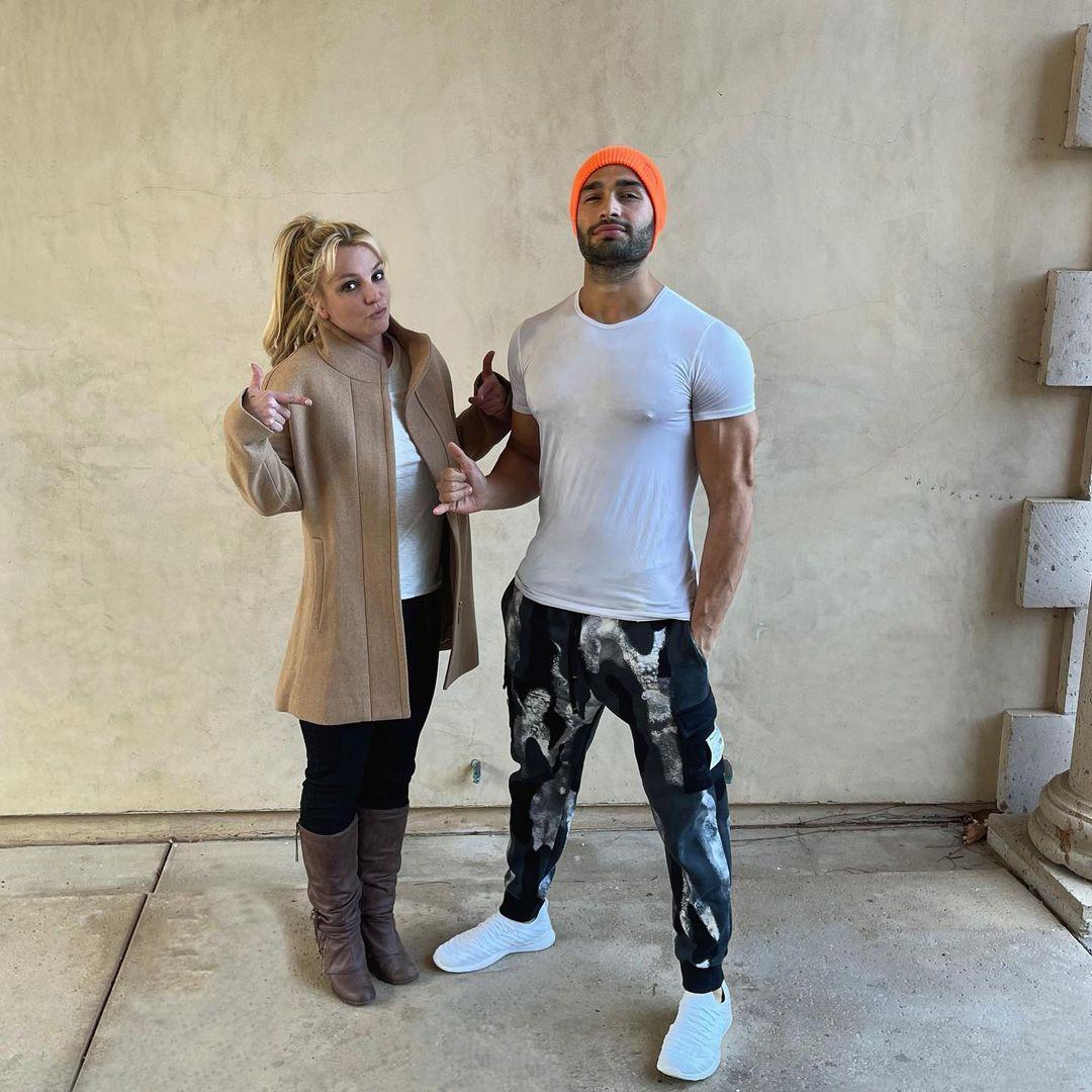 """Sam Asghari, novio de Britney Spears, rompe el silencio: """"Jamie es un total imbécil"""""""