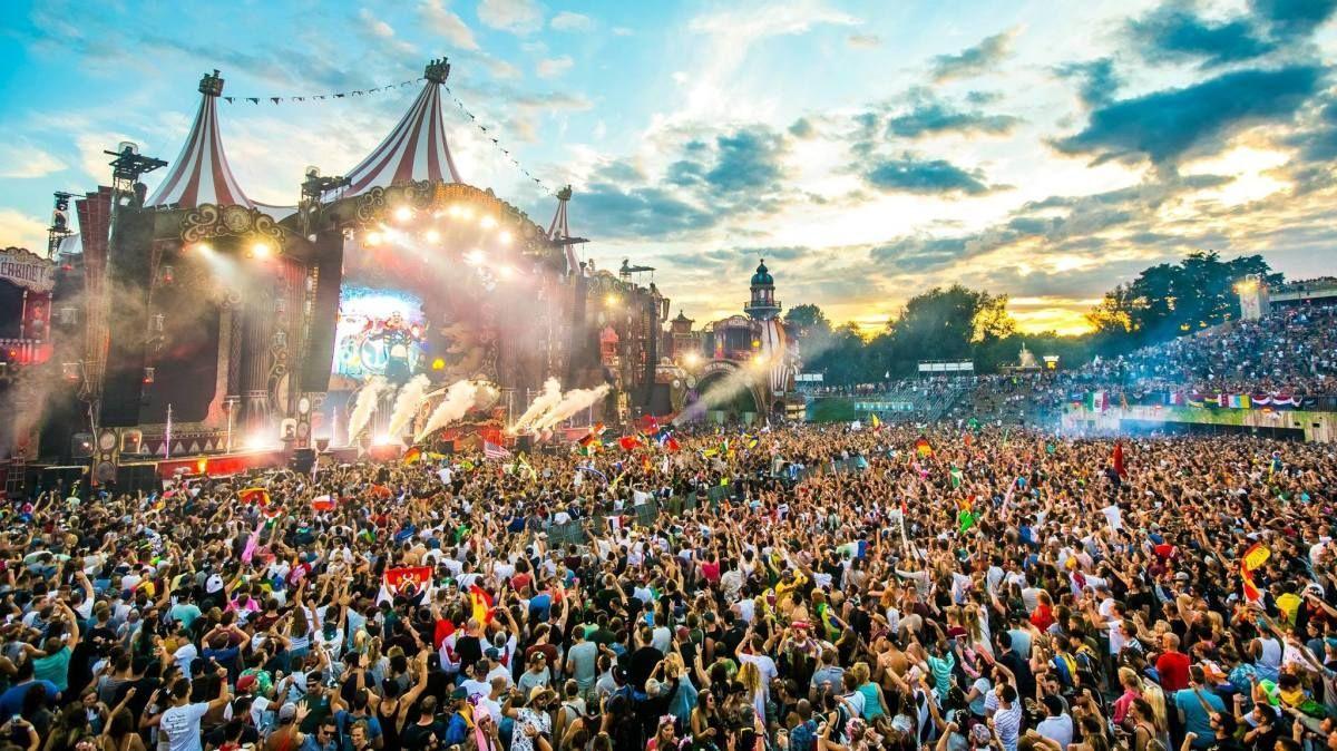 Francia da luz verde a los festivales de verano con un tope de 5.000 personas