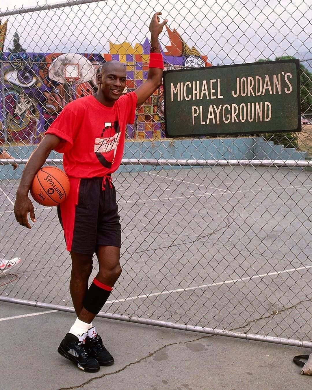 La primera película de Zack Snyder es una reliquia protagonizada por Michael Jordan en 1990