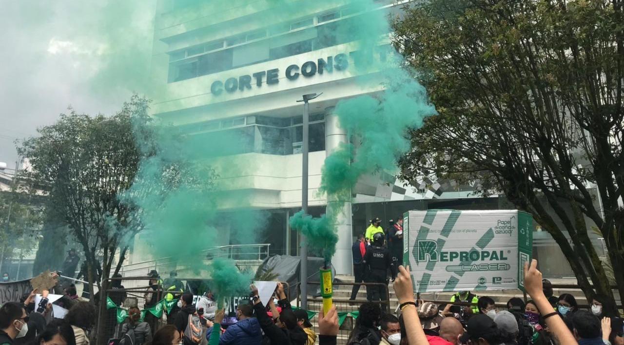 Ecuador despenaliza el aborto en casos de violación