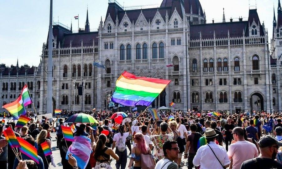 Hungría aprueba ley que prohíbe hablar de temas LGBTQI+ en escuelas