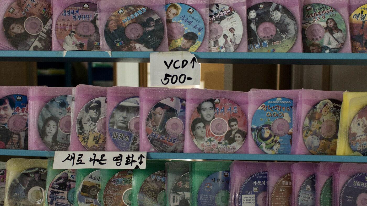 Corea del Norte castigará a los jefes de empleados que vean series y películas extranjeras ilegalmente