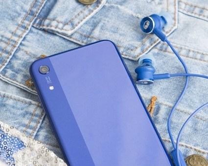 handphone mendengarkan musik